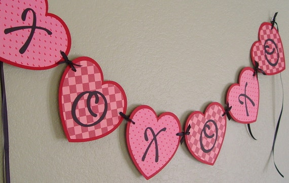 Red and Pink  XOXOXO Hugs and Kisses Valentine Heart Banner/Garland, decoration, party, paper