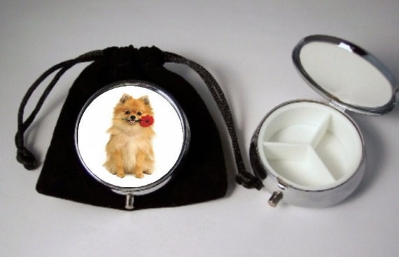 Pomeranian Dog Pill Box with pouch movable tri-separator