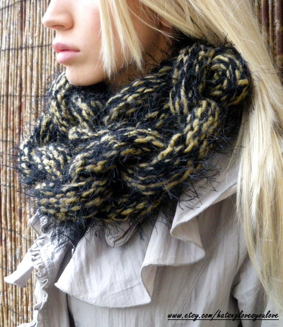 Black and Mustard Chain Link Scarf - Wool and Acrylic Knit Chunky - UK