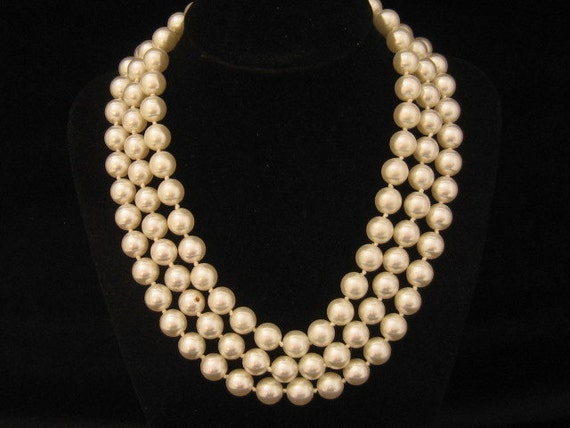 Vintage 3 Strand Glass Pearl Necklace 1960s