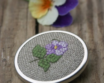embroidered cross stitch floral brooch - pansy on linen