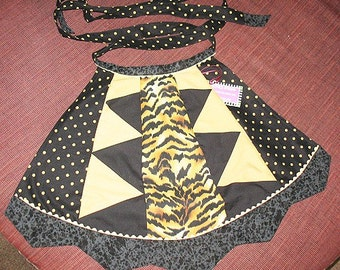 Goth Tigress Apron Size Small for Petite Domestic Gothic Punk Goddess with POCKETS