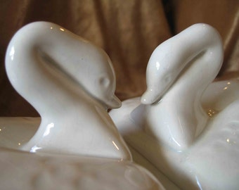 California Pottery Vintage White Swan Covered Dishes - Enchanto