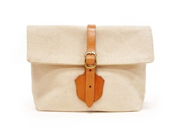 The Shield Clutch in Natural