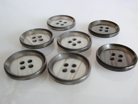 Vintage Plastic Buttons, 7 Grey with Black Edge Plastic Vintage Buttons, 3/4 inch