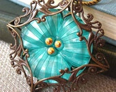 Pansy V - Mint green flower filigree necklace - Elysia