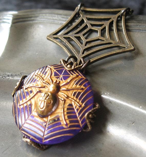 Black Widow Glam - Purple spider gothic necklace - Bountiful Winepress