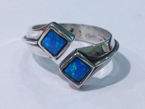 Silver & Opal ring, modern meets classic