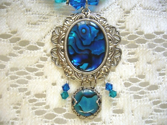 Bright Blue Green Paua Shell Victorian Necklace