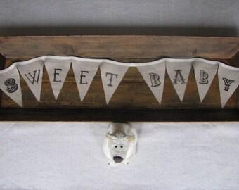 a lovely little linen banner... sweet baby