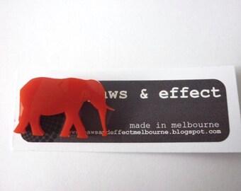 Mini-Elefant-Brosche
