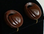 Vintage chocolate brown Bakelite carved plastic button earrings with screw backs