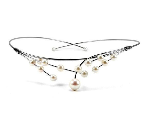 White Cultured Pearls Wire Bridal Necklace Design