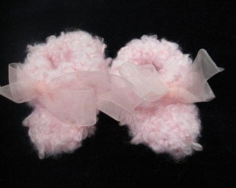 Fluffy Cloud Booties (size 0-6 months) -- Pink