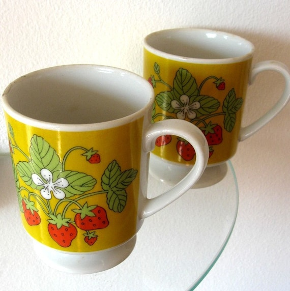 Vintage Strawberry Mugs Pedestal Yellow Red Ceramic Mod Coffee Set of Two