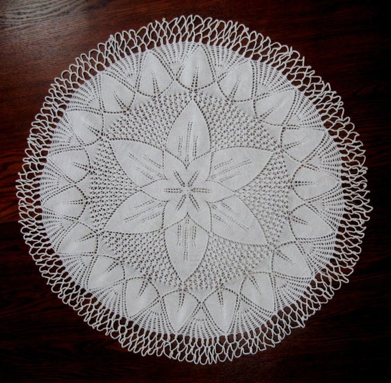 Vintage Table Cloth Tablecloth Hand Knit Medallion Star Design Large