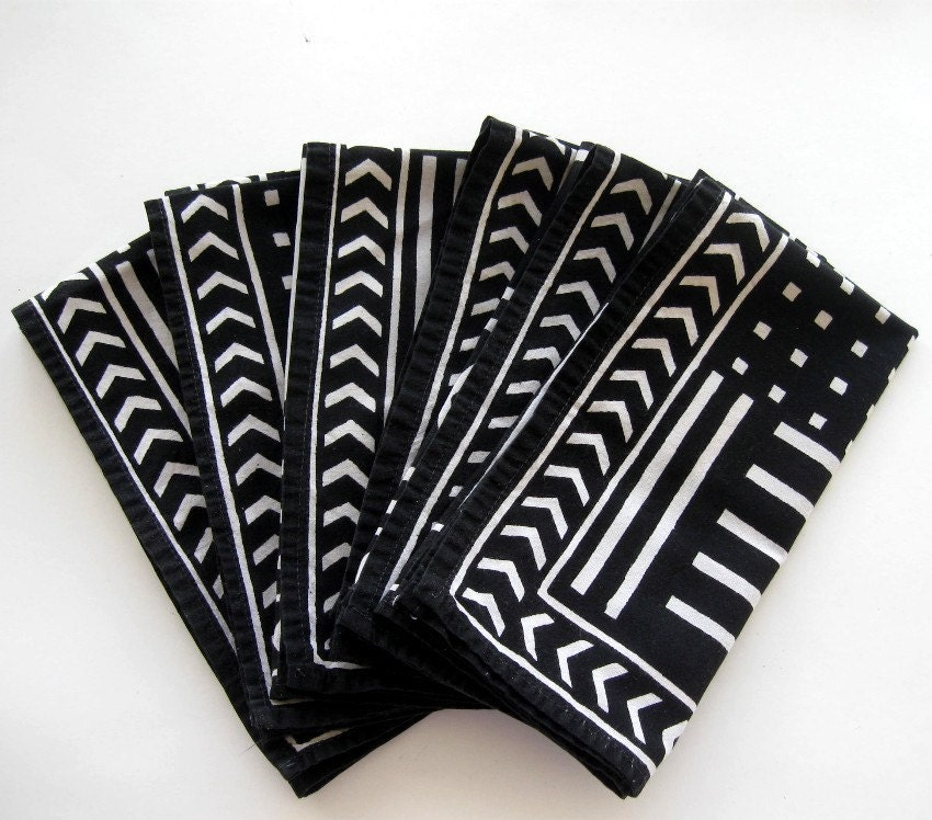 Cloth Dinner Napkins Black White Geometric Design Retro Set Of