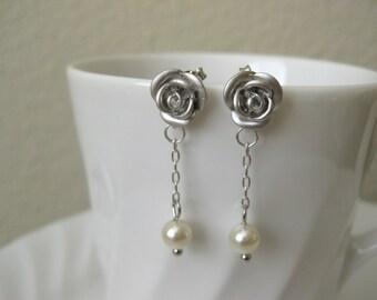 Love's First Kiss Earrings