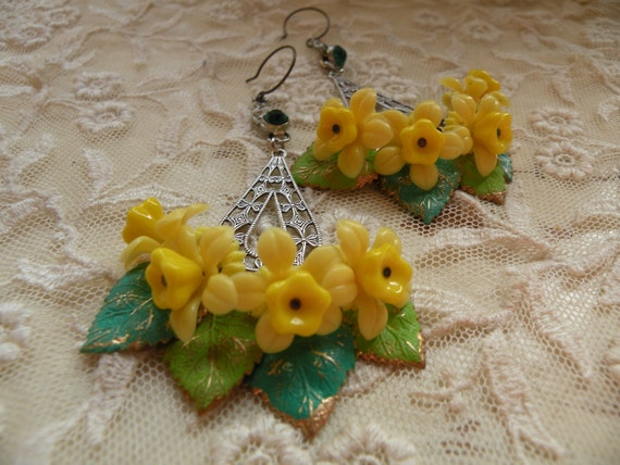 DAFFODIL earrings spring mothers day assemblage one of a kind shabby chic pretty blossom vintage rhinestones