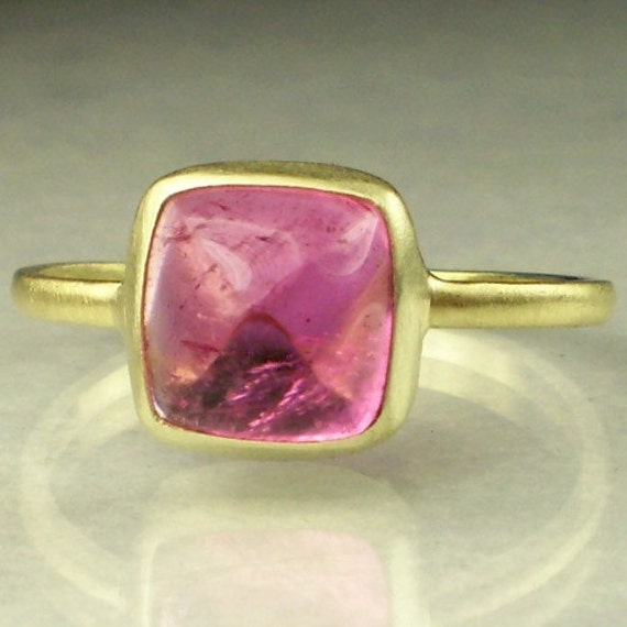 14k Gold Pink Tourmaline Sugarloaf Ring
