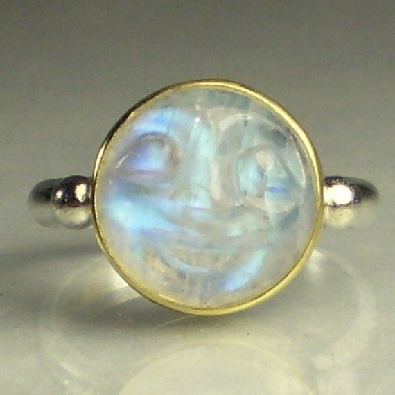 rainbow moonstone ring in the moon gemstone 18k gold