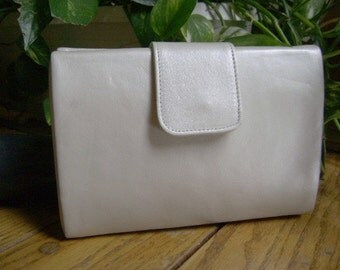 Vintage Handbag Purse, Creamy Leather Shoulder Bag, Ande', Evening Clutch, Sleek, Pristine, Luxurious Classic, Stewardess, Business, REDUCED