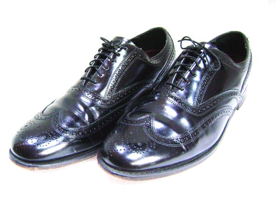 HOLD REDUCED Vintage Oxford Wingtip Shoes Black Classic Florsheim,  Man size 11 D, Pristine Perforated Mad Men Executive, Wedding Groom Prom