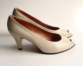 shoes size 9 / bone white leather heels / peep toe / 1980s Charles Jourdan / made in Portugal