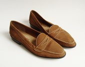 shoes 6.5 / brown leather loafers / 80s vintage shoes / suede penny loafer / shoes size 6.5