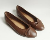 shoes 6 / brown leather flats / leather ballet flats / 80s 1980s Candies / shoes size 6 / vintage shoes