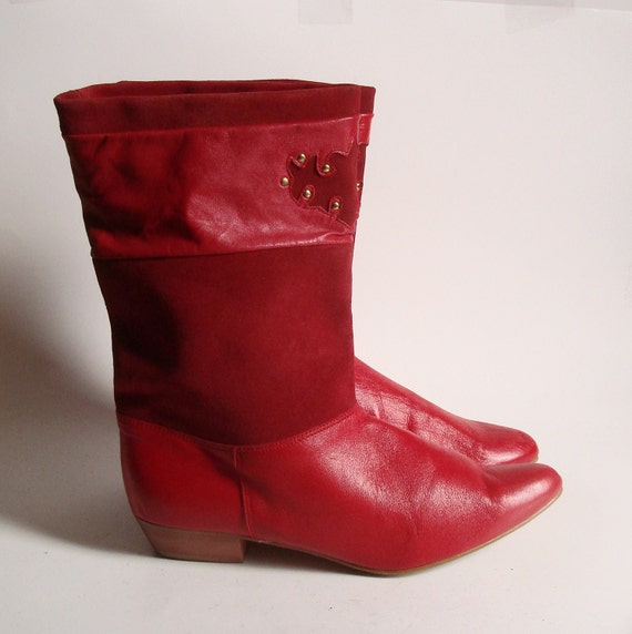 size 8 Vtg Red Leather Ankle Boots. western flair. gold studs. wood heel. 80s glam. made in Spain.