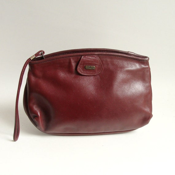 oxblood red leather clutch / 1980s red wristlet / 80s clutch
