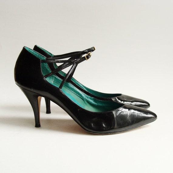 shoes size 8 / black patent leather heels / black cage heels / 1980s Nine West / shoes 8 / vintage shoes