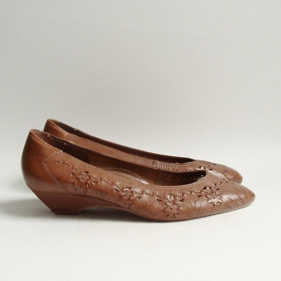 shoes 11.5 / brown leather flats / woven leather flats / 80s 1980s flats / shoes size 11.5 12 / vintage shoes / rare size