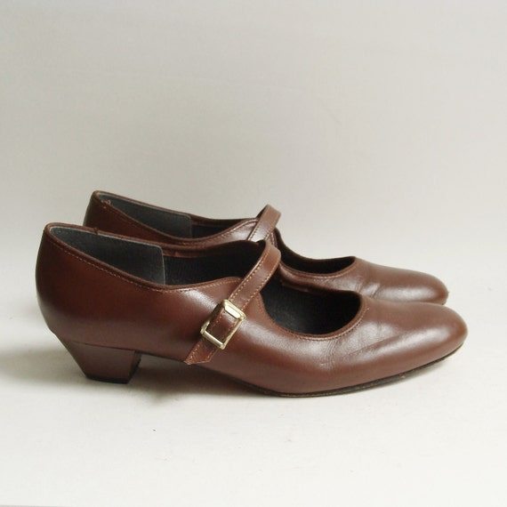 shoes 7 / brown leather dance heels / mary jane heels / 80s 1980s Tic Tac Toes / shoes size 7 / vintage shoes
