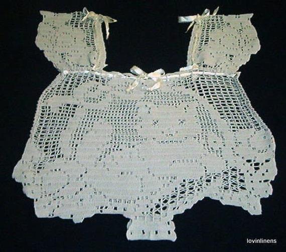 Vintage Filet Crochet Kitten and Roses Handmade WomensTop