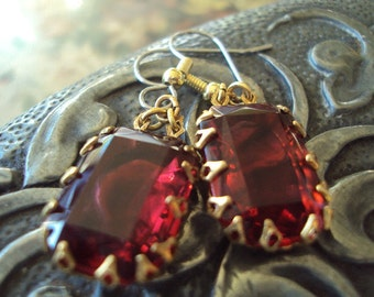 Dark scarlet red vintage rhinestone crown setting hypoallergenic earrings Old Hollywood Glamour