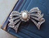 Vintage Brooch Marcasite Bow with Pearl