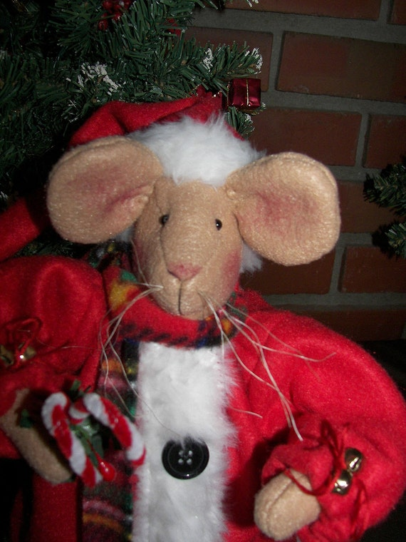 Santa Mouse Christmas Folk Art Primitive Cloth Doll OFG