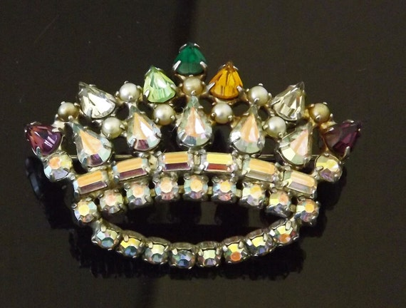 b david vintage brooch crown signed marked by