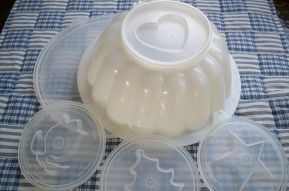 Vintage Tupperware Jello Mold with Four Different Tops