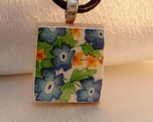 SCRABBLE TILE PENDANT WITH FREE BLACK LEATHER CORD-FORGET ME NOT