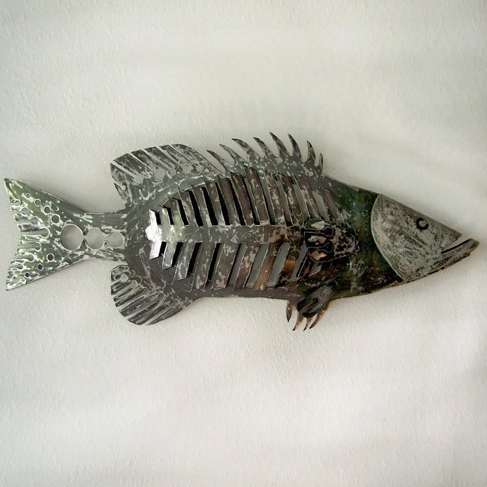 48 giant wall mounted fish sculpture huge fish wall for Decoration murale en metal noir