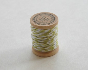 Baker's Twine on Wooden Spool - 5 Yards - 4 Ply Cotton Made in USA - Honeydew Green