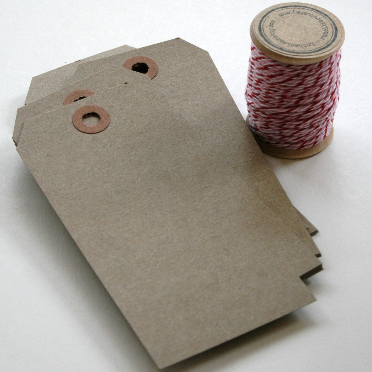 Large Shipping Paper Tags - Reinforced Hang Tags - 2 3/8 x 4 3/4 ...