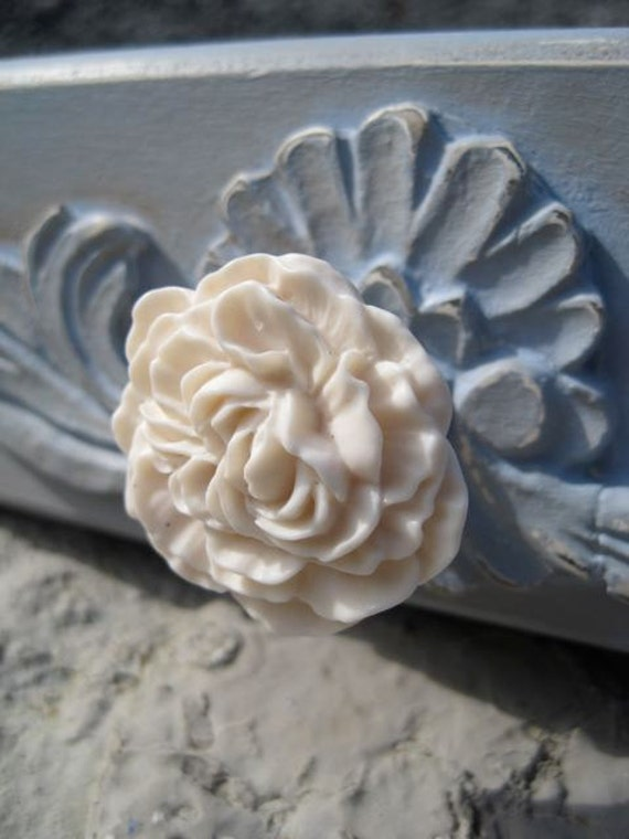 Peony Flower Drawer Knob in Cream, more COLORS available (RFK02)