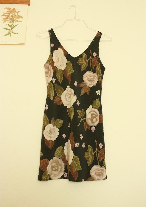 Summer Sale - DAINTY ROSE Floral Print Dress S/M