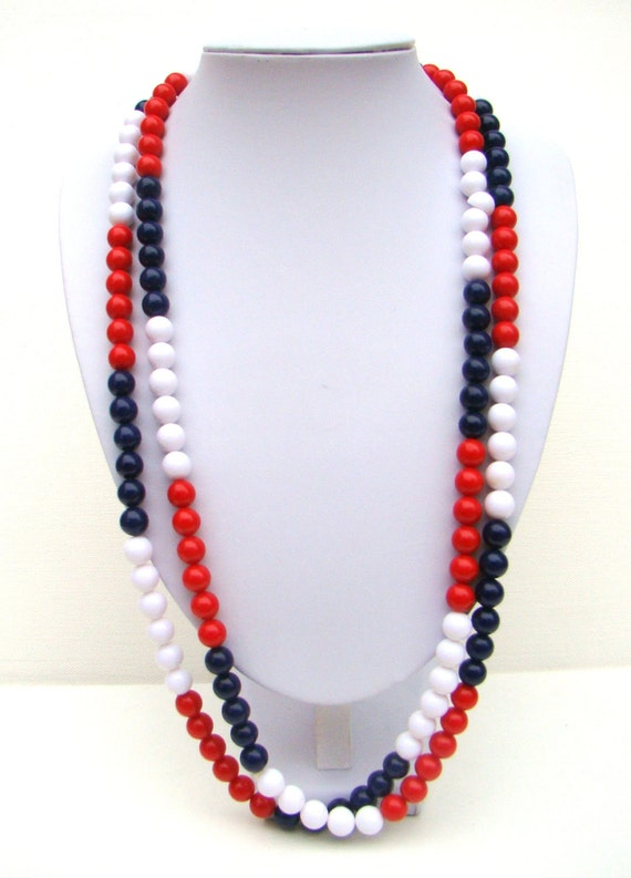 Vintage 70s Red White Blue Long Necklace / Beaded Patriotic