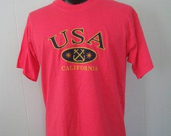 USA California Vintage 80s 90s TShirt Tee Retro Neon Salmon Dark Pink LARGE