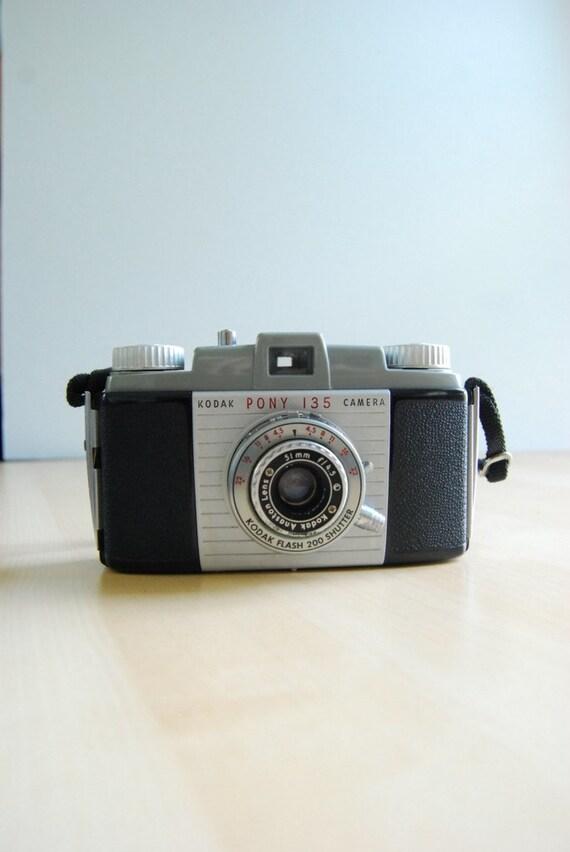 Vintage Kodak Pony Very Nice Design with Leather Case